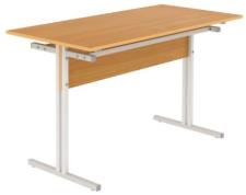 Стол обеденный четырехместный с кронштейном для табуретов